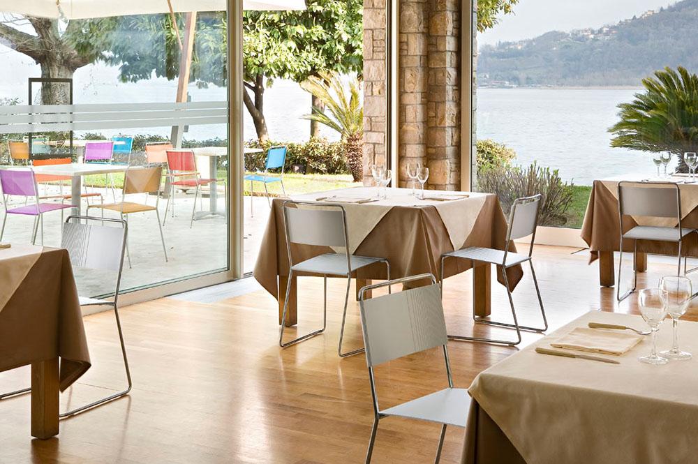 Krzesła do restauracji – jakie kryteria powinny spełniać?